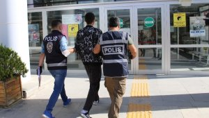 32 suç kaydı bulunan şüpheli, çaldığı araçla gezerken yakalandı