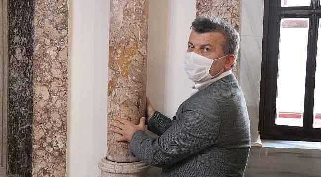 638 yıllık tarihi caminin deprem sigortası dönen denge sütunlar