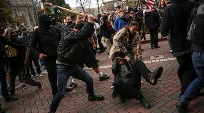 ABD'de Trump destekçileriyle karşıtları arasında kavga çıktı