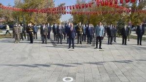 Ağrı'da 29 Ekim Cumhuriyet Bayramı dolayısıyla tören düzenlendi