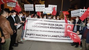 AK Parti Gençlik Kolları'ndan Fransa Büyükelçiliği önünde 'Charlie Hebdo' protestosu