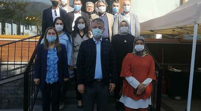 AK Parti'de Çopuroğlu'ndan yeni yönetim ile ilk fotoğraf