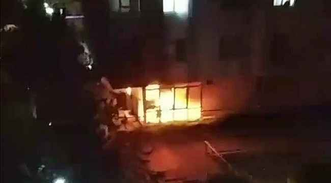 Antalya'da yanan apartman dairesi kullanılmaz hale geldi