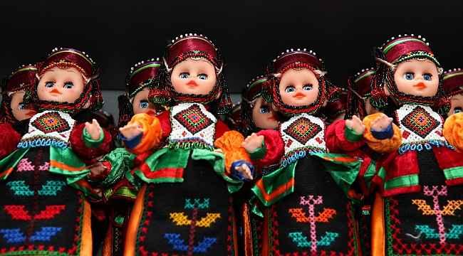 Ardahan'da 23 kadın Damal Bebeği üretiyor