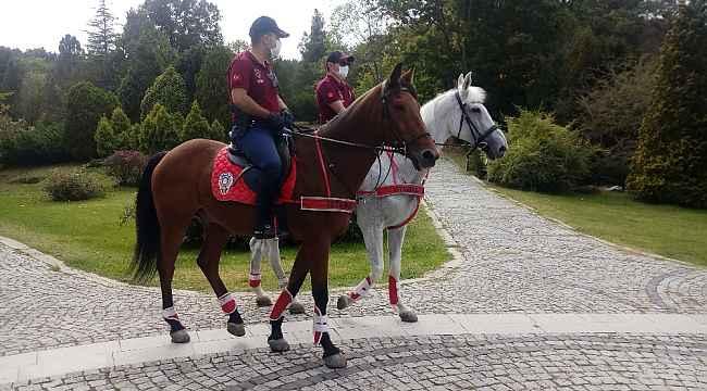 Atlı polis ekiplerinden Atatürk Arboretumu'nda korona virüs denetimi