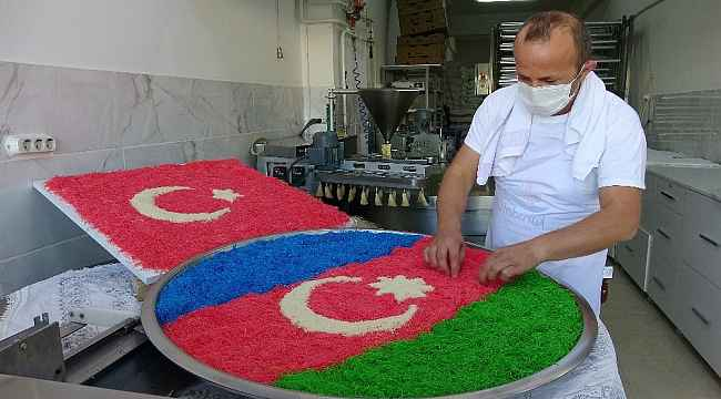 Azerbaycan ve Türk bayrağı temalı kadayıf yaparak kampanya başlattı