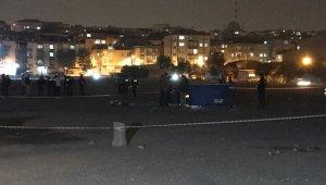 Bağcılar'da bir kişi açık alanda başından vurulmuş şekilde bulundu