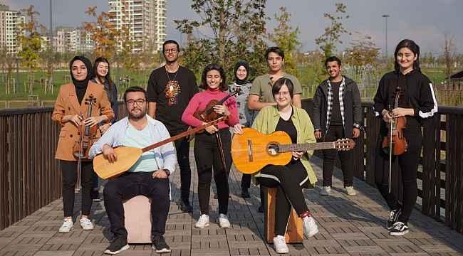 "Başakşehirli gençlerden can Azerbaycan'a ""gardaş"" selamı"