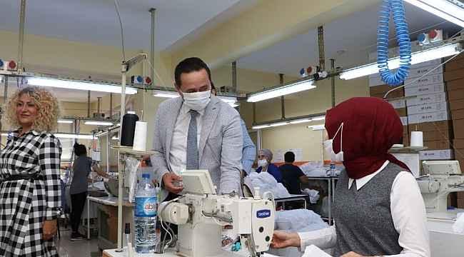 Başkan Yanmaz tekstil atölyelerini ziyaret etti