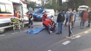 Burhaniye'de otomobil ile motosiklet çarpıştı motosiklet sürücüsü yaralandı
