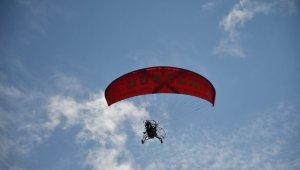 Bursa'da engelli öğrenciler 29 Ekim'i gökyüzünde uçarak kutladı - Bursa Haberleri