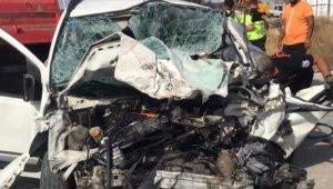 Çeşme'de feci kaza: 1 ölü, 1 yaralı