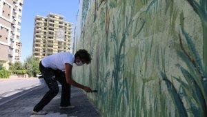 Çevreye uyumlu duvarlar sanata dönüştü