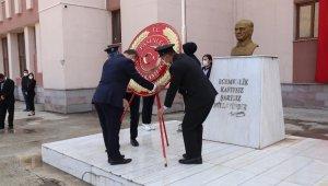 Cumhuriyetin 97. yıl dönüm etkinlikleri çelenk sunumuyla başladı