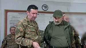 Dağlık Karabağ'ın sözde savunma bakanı cephede yaralandı