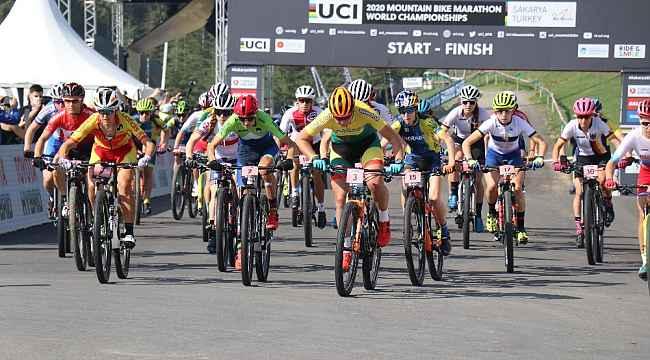 Dünya Dağ Bisikleti Maraton Şampiyonası 'Elite kadınlar' kategorisinin startı verildi