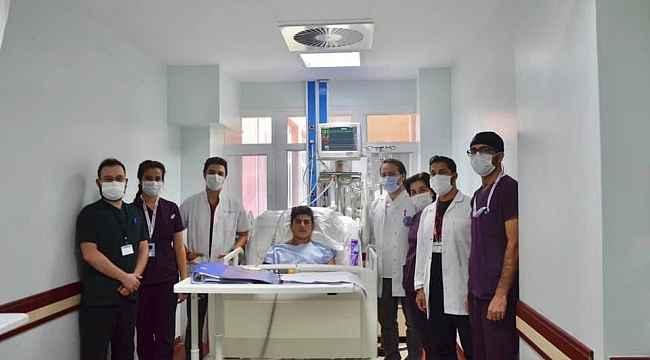 Elektrik akımına kapılan genç doktorların çabası ile ölümden döndü