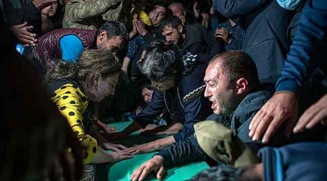 Ermenistan'ın mezarlıkta hedef aldığı sivillerin cenazeleri, saldırı ihtimaline karşı akşam defnedildi
