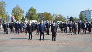 Fatsa'da 29 Ekim kutlamaları çelenk sunumu ile başladı