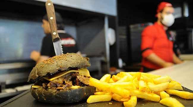 Geleneksel etler burgerle buluşuyor