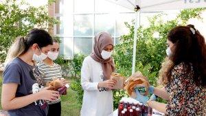 Gıda Gününde Adana Şalgamı ve simit ikram edildi