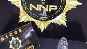 Hırsızlık olayına giden polis uyuşturucu satıcılarını yakaladı