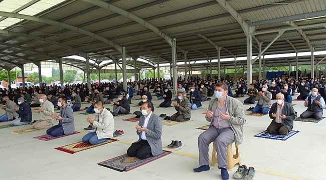 Hisarcık'ta Cuma namazları artık camilerde kılınacak