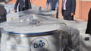 Iğdır'da süt üreticilere süt soğutma tankı verildi