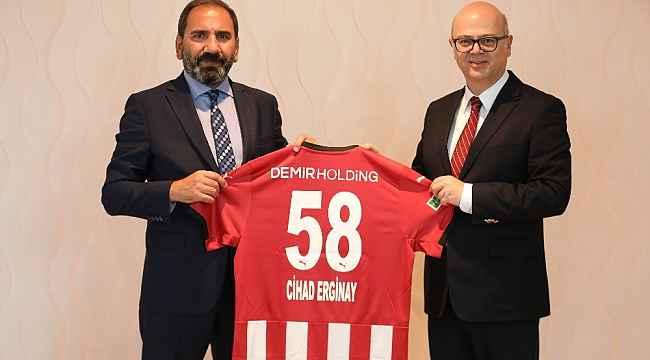 İspanya Büyükelçisi'ne Sivasspor forması hediye edildi