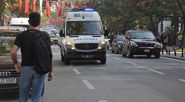 Kadıköy'de korona virüse ambulansla farkındalık