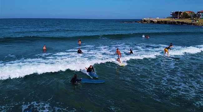 Karadeniz'in o kıyısına sörf akını