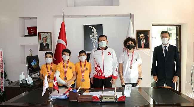 Karate sporcularından Kabakcı'ya ziyaret