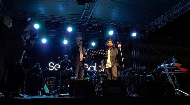 Kartal'da 29 Ekim Cumhuriyet Bayramı Arabalı konserle kutlandı