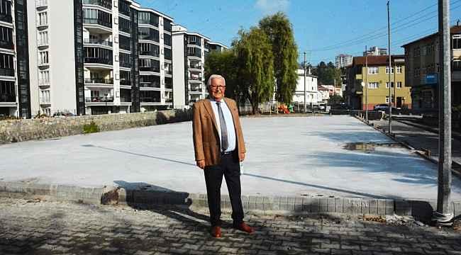Kdz. Ereğli Belediyesi halı saha yapıyor