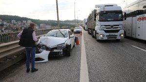 Kocaeli TEM'de 3 araç çarpıştı: 1 yaralı