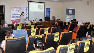 KOMEK Çocuk Oyun Odası personeline korona virüs eğitimi