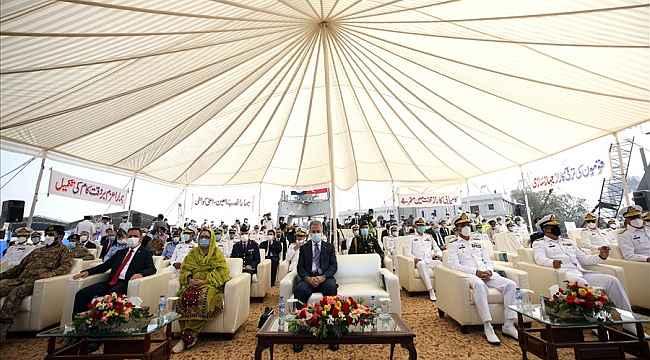 Milli Savunma Bakanı Akar Pakistan'da
