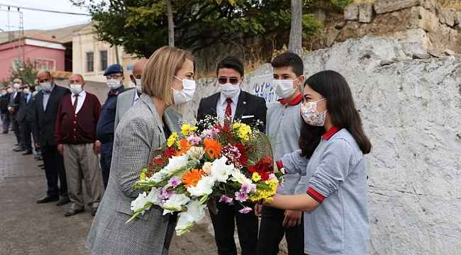 Nevşehir Valisi Becel, köy okulunu ziyaret etti