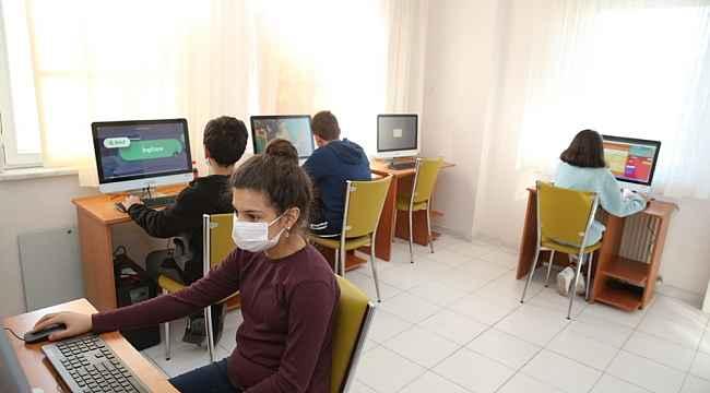 Nilüferli öğrencilere bilgisayar sınıfı - Bursa Haberleri
