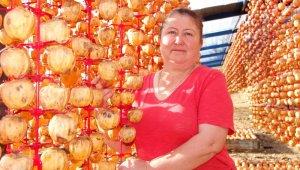 Ödemişli kadınlardan Türkiye'nin dört bir yanına Trabzon hurması