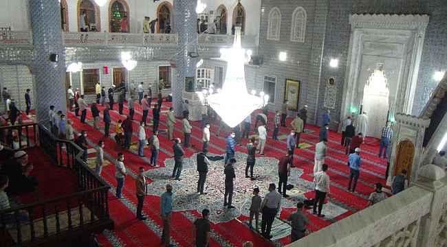 Peygamberler şehri Şanlıurfa'da Mevlit Kandili ihya edildi