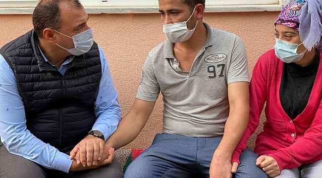 Sakarya valisi Kaldırım, yangında 2 çocuğunu kaybeden aileye taziye ziyaretinde bulundu