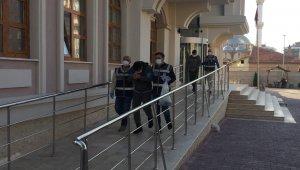 Şehir şehir gezerek 20 bin lira dolandıran tırnakçılar tutuklandı