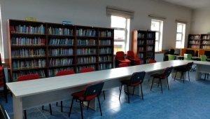 Seyitgazi Dr. Ayhan Onursal kütüphanesi okuyucularını bekliyor