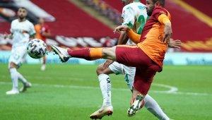 Süper Lig: Galatasaray: 1 - Aytemiz Alanyaspor: 2