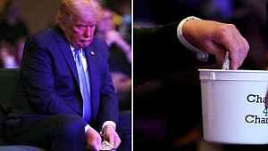 Trump, kilise için verdiği parayı sayarak bağış kutusuna attı
