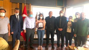 Türkiye ikincisi olan başarılı öğrenci ödüllendirildi
