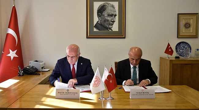 Uşak Üniversitesi ve MEB arasında işbirliği protokolü imzalandı