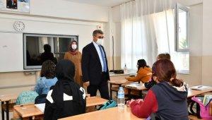 Vali Gürel'den okul ziyareti