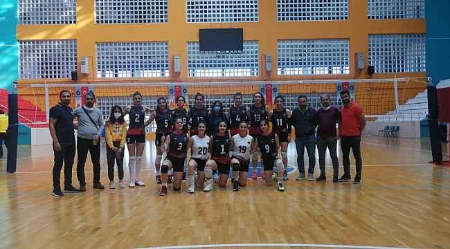 Van Büyükşehir Belediyesi Kadın Voleybol Takımı sezonu galibiyetle açtı